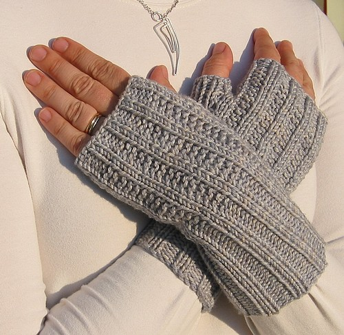 More sweet and simple fingerless mitts
