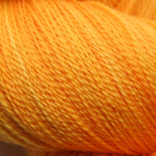 Essential merino lace saffron cu