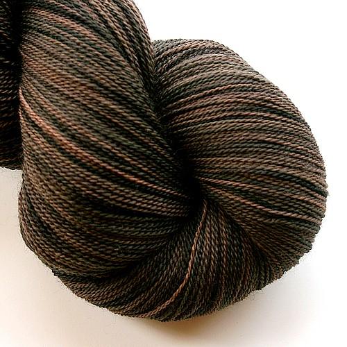 Essential merino lace black bear main