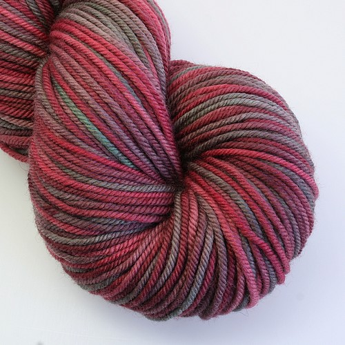 Merino cashmere worsted nearly holly main