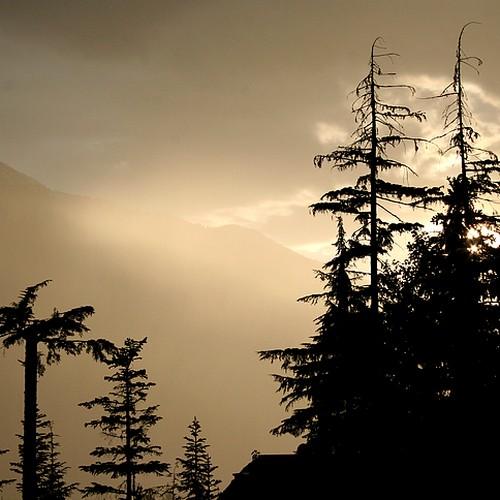 Sunset thunderstorm1