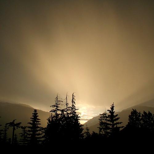 Sunset thunderstorm2