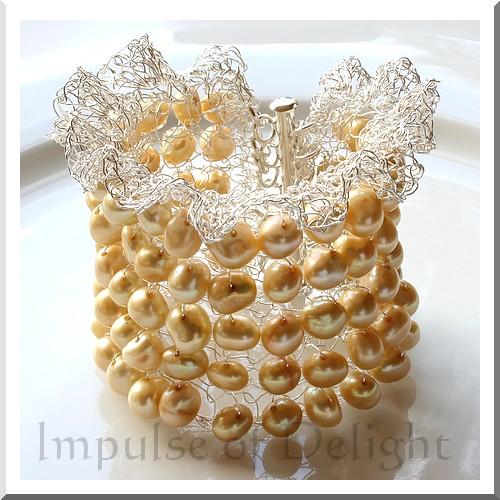 Daffodowndilly_bracelet_l