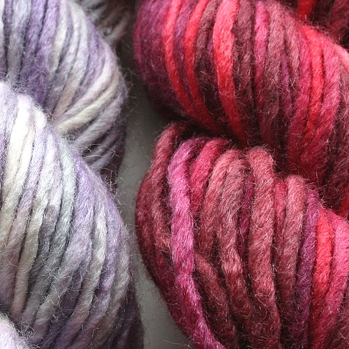 Frosty_rose_yarn_close